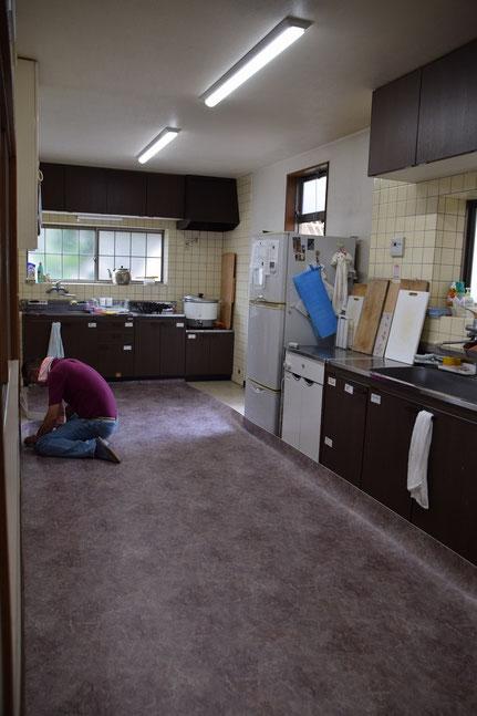 2017年6月1日(木)、教会のお台所の床をきれいにする工事をいたしました。