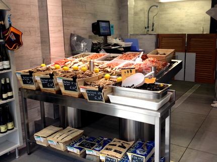 magasin le P'tit Cancale au Havre. Vente d'huître Fine de Cancale, de fruits de mer et épicerie marine.