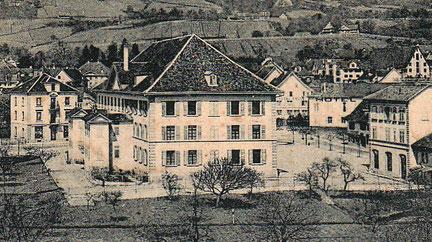 das Pestalozzi-Schulhaus um 1900