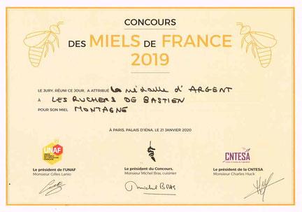 Cévennes, le miel de montagne de Bastien ALISE récompensé par une médaille d'argent