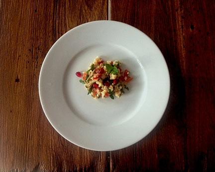 Couscous-Salat mit Granatapfelkernen