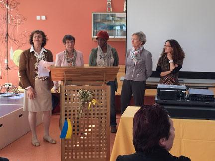 Vorstellung des Sprach-und Integrationsförderungprojekts auf dem Jahrestreffen durch die beiteligten SI-Schwestern