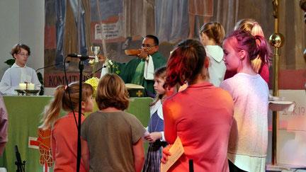 """Zum Start ins neue Arbeitsjahr gab es am 9.September eine Familienmesse mit dem Thema """"Hören""""."""