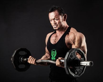 運動で頸椎ヘルニアになった男性