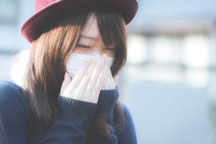 咳やくしゃみで腰が痛い奈良県御所市の女性