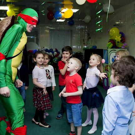 аниматоры ниндзя черепашки на детский праздник день рождения ребенка москва на дом детский сад школу
