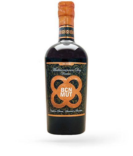 Flasche Mediterranean Dry BCN Vermouth barrel aged limited edition, klassischer Wermut mit Aromen von Zimt, Bergamotte und Waldfrüchten.  Bottle BCN Vermut dry classic Vermut with cinammon, bergamotte and forest fruit aroma.