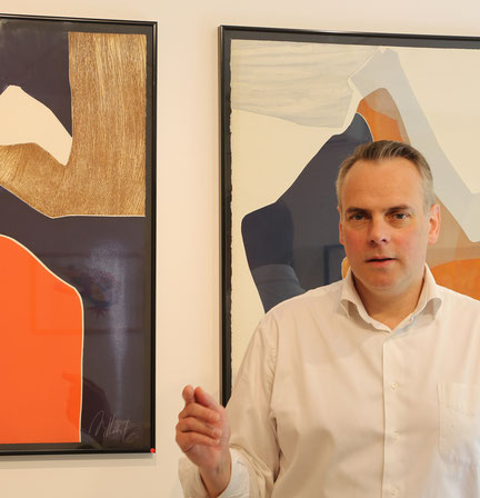 Le Directeur de Vallis Clausa Fine Art présente des œuvres de Gillou BRILLANT.