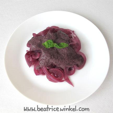 Beatrice Winkel - Zwiebel-Pasta mit gelinster Pflaumen-Johannisbeer-Sauce