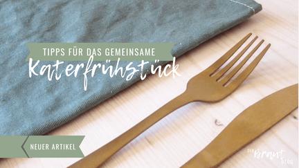 """Gabel und Messer liegen neben einer Serviette. Aufschrift """"Tipps für das gemeinsame Katerfrühstück""""."""