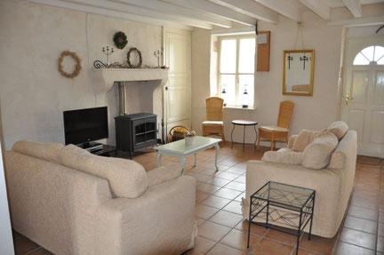 Te huur sfeervolle vakantiewoning voor 5 personen met zwembad en Wifi midden Frankrijk