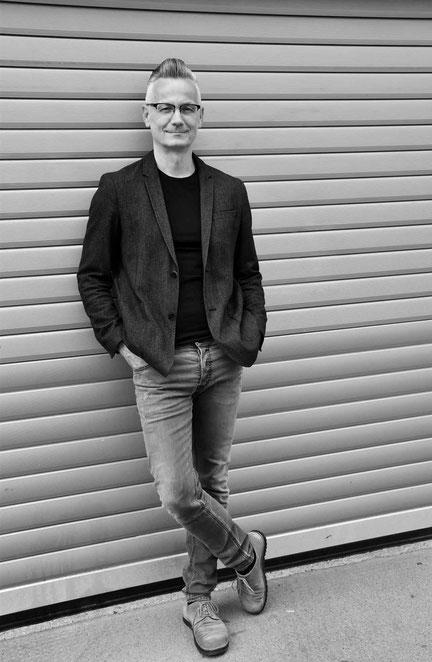 Johannes Loibenböck, Grafikstudio Raster und Punkt, Hofmühlgasse, Grafikdesign, Grafik, 1060 Wien, Logodesign, Werbegrafik