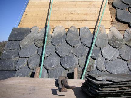 Couverture : restauration d'une charpente en Ardoise de Travassac