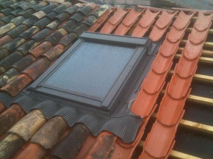 Couverture : fenetre de toit de la marque Velux sur tuile Canal