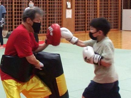 キックボクシングでフィットネス