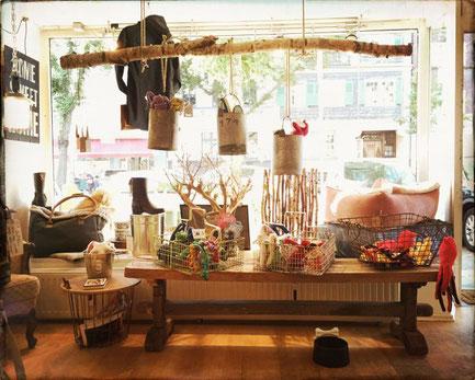 ber dogsmopolitan dogsmopolitan online hundeshop. Black Bedroom Furniture Sets. Home Design Ideas