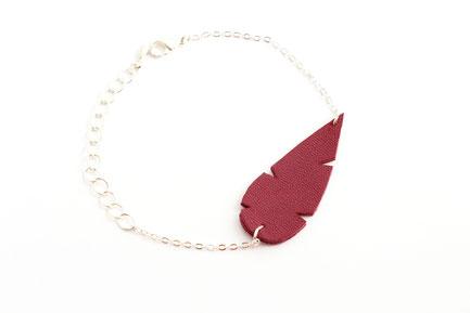 sarayana, créateur bijoux, création bijoux, bijoux fait main, bijoux cuir, plume de cuir, bracelet cuir, bracelet violet, bracelet bohème