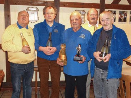 Die Sieger des Champagnerpokals mit Ernst-August Mann, Bernd Sander, Walter Hausmann, Eckard Husch und Reinhard Schmidt (v.l.)