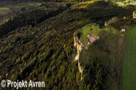 Kupferzeitliche Höhensiedlung Avren-Bobata