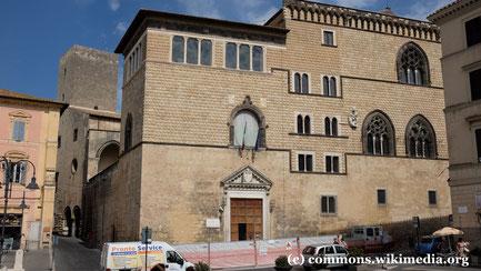 Samstag: In Tarquinia besuchen wir das archäologische Museum im Palazzo Vitelleschi.