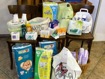 Im Oktober 2017 konnten wir diese Lebensmittel und Hygieneartikel an Le⁺O übergeben. Wir hoffen wieder auf zahlreiche Spenden. DANKE!!