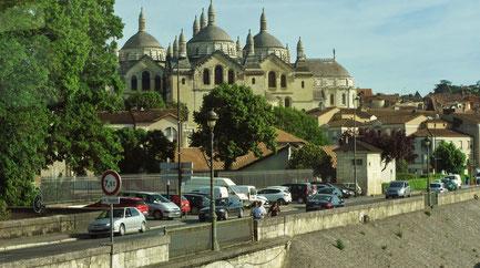 Mittwoch: In Périgueux, der Hauptstadt der Dordogne, steht die Kathedrale Saint-Front, die am Jakobsweg liegt und seit 1998 zum Weltkulturerbe der UNESCO gehört.
