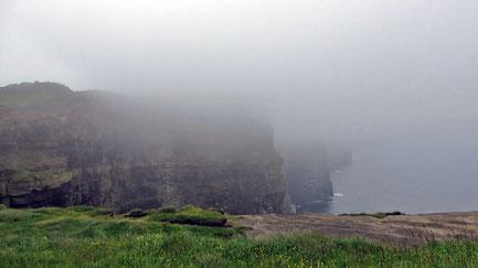 Mittwoch: Cliffs of Moher, die wohl bekanntesten Klippen in Irland. Leider war es zu nebelig, um die Aussicht nach West, Nord und Süd zu genießen.