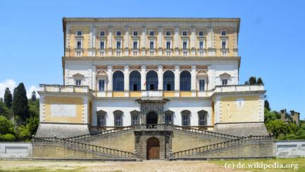 Freitag: In Caprarola besuchen wir den Palazzo Farnese, einer der bedeutensten Renaissance Bauten Italiens und Sommerresidenz des italienischen  Staatspräsidenten.