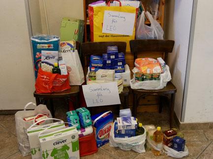 Im Oktober 2017 konnten wir diese Lebensmittel und Hygieneartikel an Le⁺O übergeben. Danke allen Spendern!