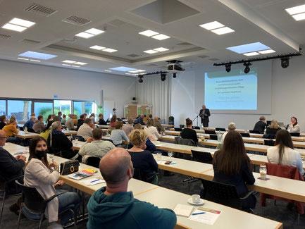 Prof. Dr. Herbert Asselmeyer moderierte die Gesundheitskonferenz