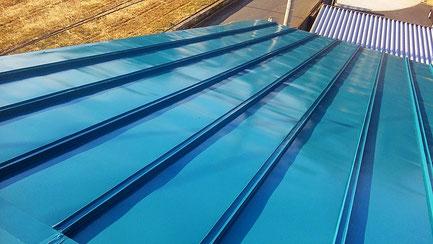 さいたま市岩槻区の工場、屋根塗装工事完了の写真