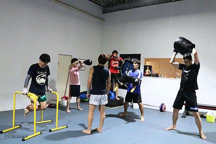 ▲トレーニング指導士の資格を持つ鈴木代表が丁寧にお教えします