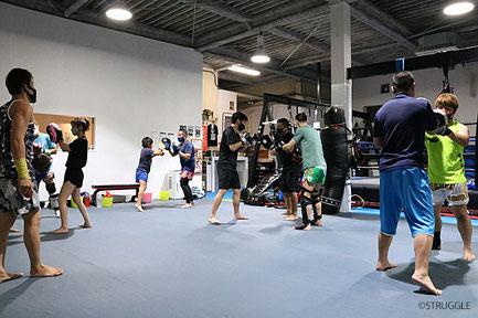 毎週水曜19:30~20:30はキックボクシング初心者クラスを開催!