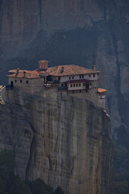 Das Nonnenkloster Roussánou und die Felsen von Metéora