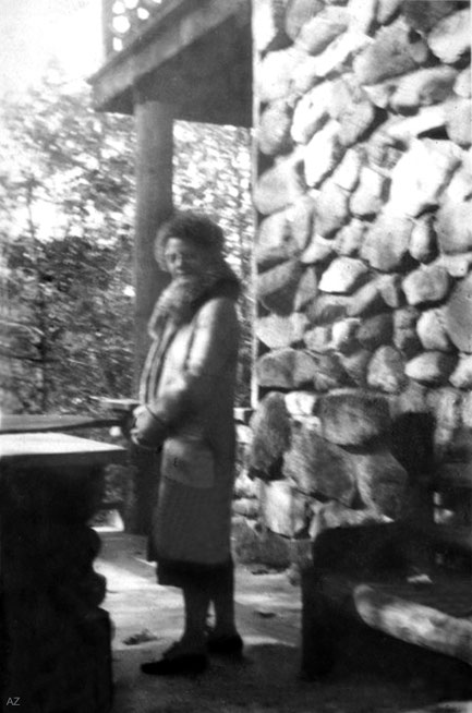1931-2 ; Mary at the Harmon-on-Hudson property in New York State.
