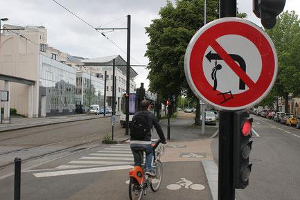 Boulevard Jean Monnet à Nantes / France