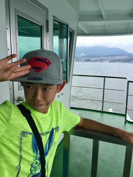 観光二日目は広島に移動して厳島からスタート♪ なんかいちびってるんですけどw