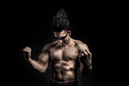 見た目の筋肉をつけるモテ筋トレ