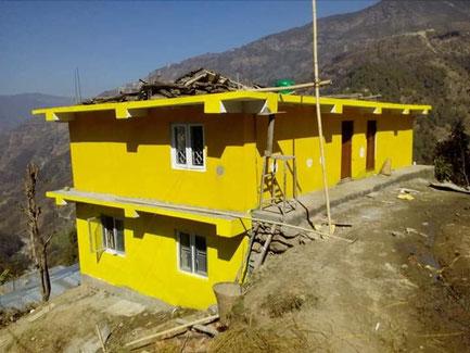 Wiederaufbau der Schule in Bhumthan