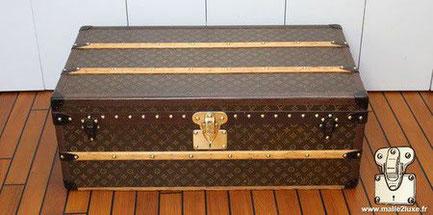 Louis Vuitton cabin trunk - LV Year: 1934  Exterior: Mark 5 stencil LV canvas Border: lozine
