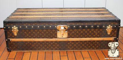Louis Vuitton cabin trunk - LV Year: 1915 Exterior: Mark 2 stenciled LV canvas