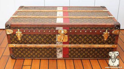 Louis Vuitton aero cabin trunk - LV Year: around 1920  Exterior: Mark 2 stenciled LV canvas