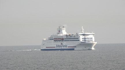Normandie après l'installation de scrubbers en 2015 se dirigeant vers Portsmouth.
