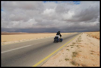 voyage à vélo en Syrie, bike touring, laetitia, entreicietla