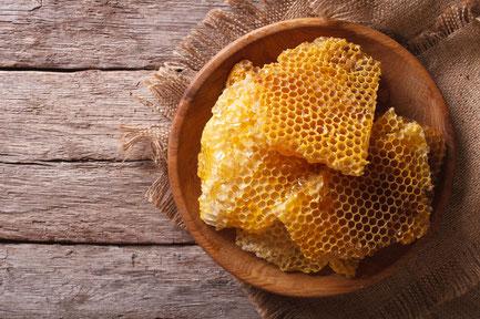 日本ミツバチの蜜蝋
