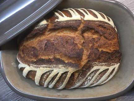 Brot frisch gebacken im Ofenmeister von Pampered Chef