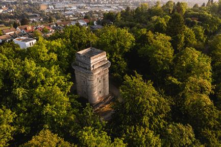 Bild: Drohnenaufnahme des Tübinger Bismarckturms, © Tübinger Turmfreunde.