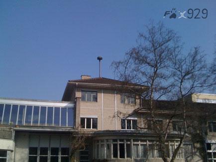 Landert MSL-3 Bülach auf dem Gebäude der Firma Landert