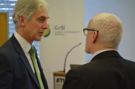 Prof. Heinz Gutscher und Maurizio Gasperi im Gespräch