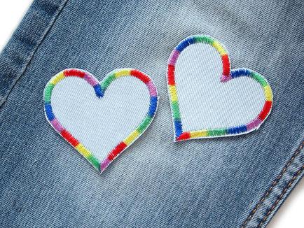 Bild: Herz Flicken Regenbogen hellblau, 2er Set, Jeansflicken zum aufbügeln bunt